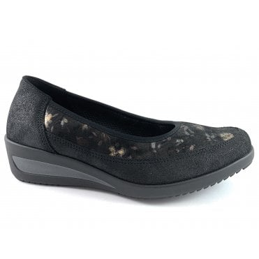 12-40617 Zurich Black Leather Slip On wedge Shoe