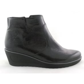 12-46124 Hasselt-Tron Black Crinkle Patent Wedge Ankle Boot