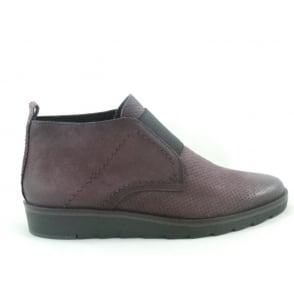 2/25449/29 Burgundy Pull On Ankle Boot