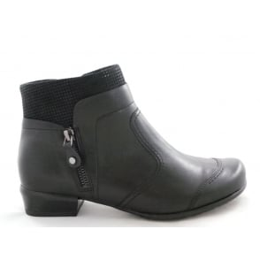 22-64301 Personne Black Faux Leather Ankle Boot