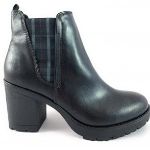 25414-33 Black Heeled Chelsea Boot