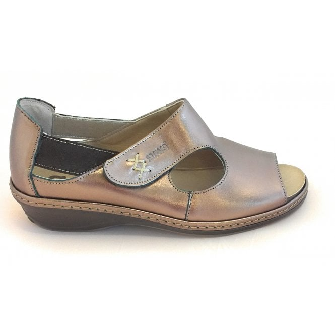 Suave Bronze Leather Closed Heel Sandal