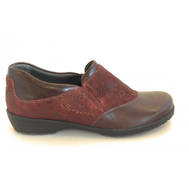 Suave Jenna Cherry Print Leather Comfort Shoes