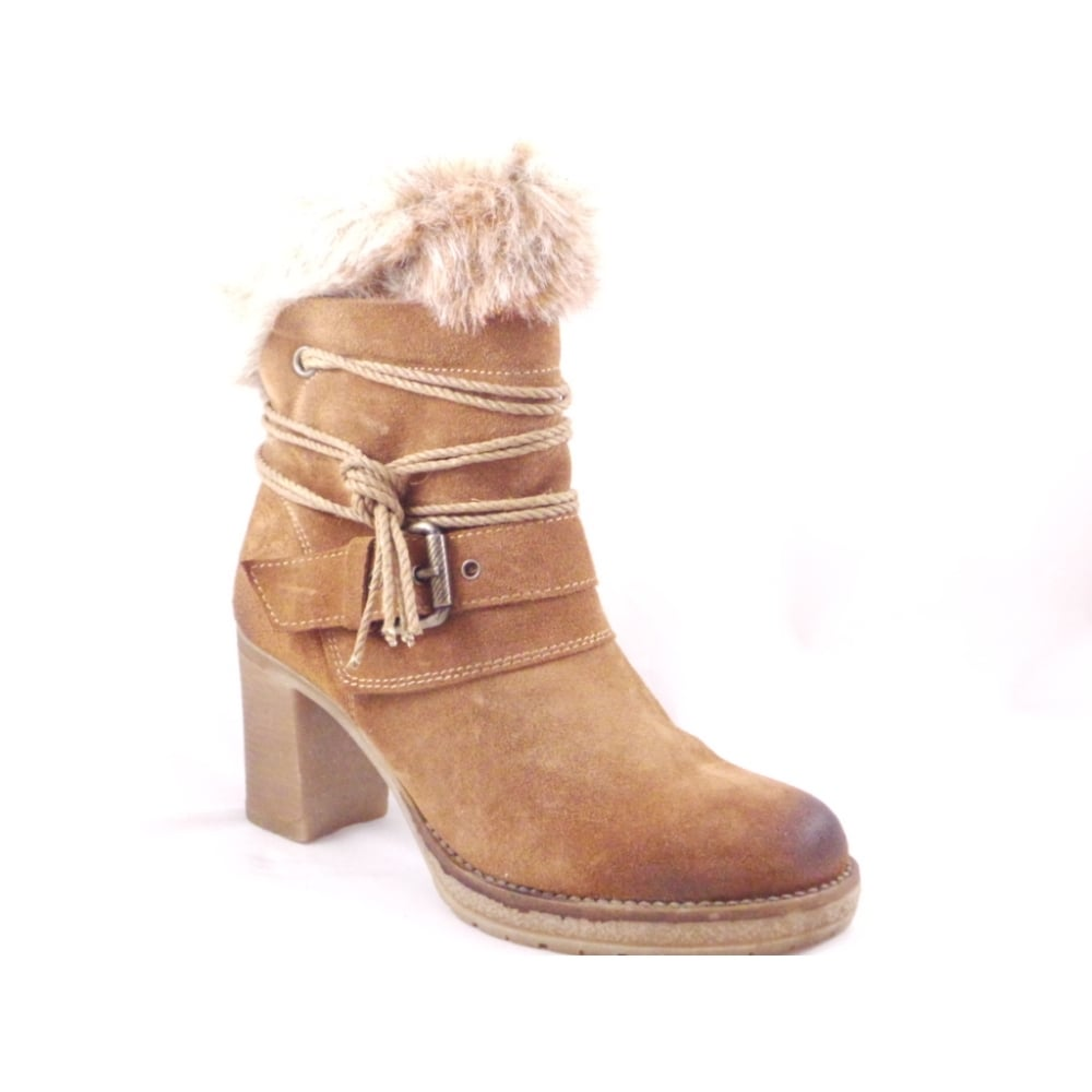 Boots With Fur Trim 28 Images Timeless Faux Fur Trim Ankle Boots In Brown Designer Brunello